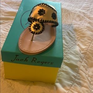 Jack Rogers gold and black sandal 5 new